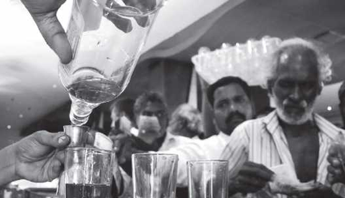 Drunkards vs Commoners-Cops becoming laughing stock