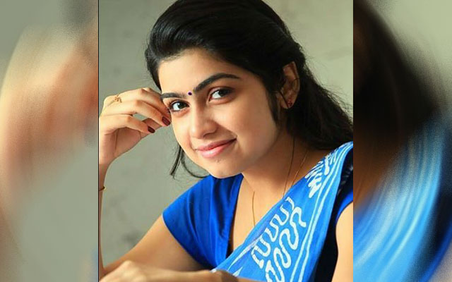 Power Star's golden opportunity to a new girl