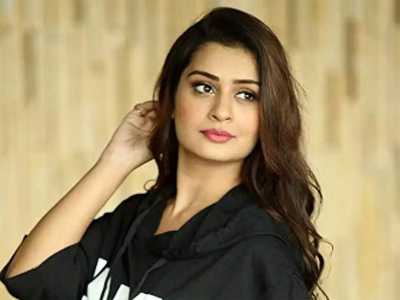 Payal Rajput Wants Reduce Ger Over WEIGH