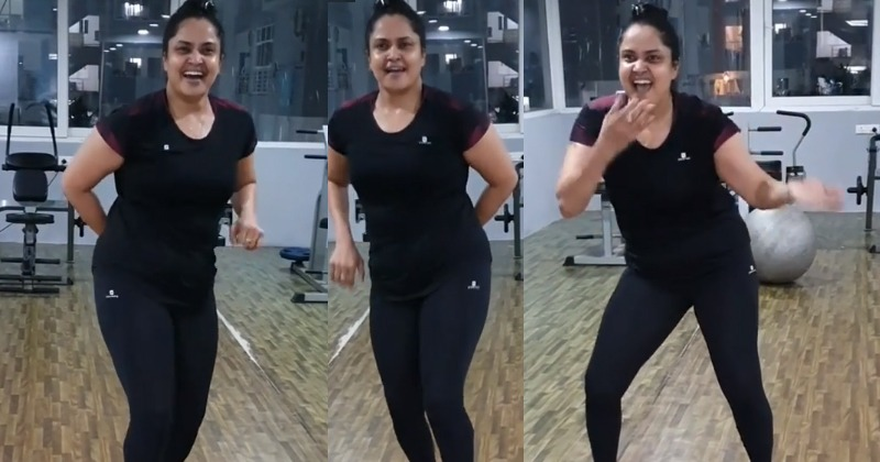 Actress Pragathi Dance Video For Aankh Mare Song
