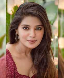Aathmika10 | Telugu Rajyam