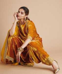 Deepika Padukone05 | Telugu Rajyam