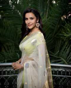 Priya Anand02 | Telugu Rajyam