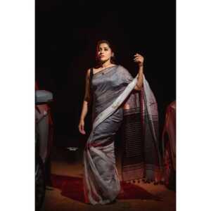 Rashmi Gautam04   Telugu Rajyam