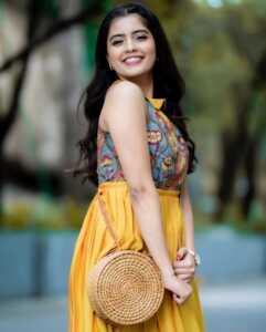Actress Amritha Aiyer Latest Insta Pics 1 | Telugu Rajyam