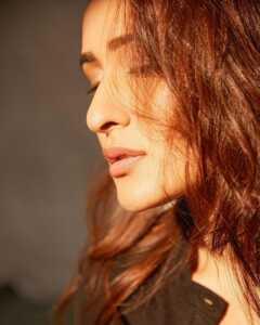 Actress Pragya Jaiswal Photoshoot Goes Viral 11   Telugu Rajyam