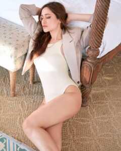 Actress Pragya Jaiswal Photoshoot Goes Viral 5   Telugu Rajyam