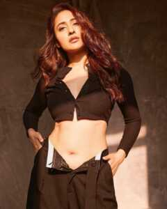 Actress Pragya Jaiswal Photoshoot Goes Viral 9   Telugu Rajyam
