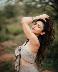 Donal Bisht Is Serene Fashion Photoshoot 13 | Telugu Rajyam
