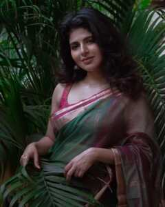 Iswarya Menon New Gallery 9   Telugu Rajyam