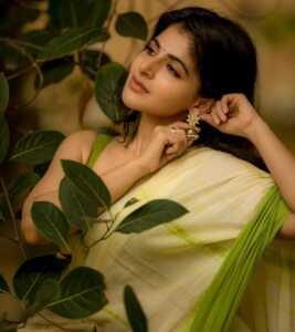 Iswarya Menon13   Telugu Rajyam
