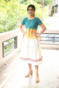 Priya Prakash Varrier Latest Hd Pics 14 | Telugu Rajyam