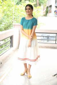 Priya Prakash Varrier Latest Hd Pics 9 | Telugu Rajyam