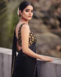 Riddhi Kumar06   Telugu Rajyam