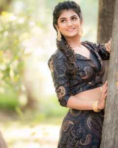 Actress Gabriella Charlton Photos 8   Telugu Rajyam