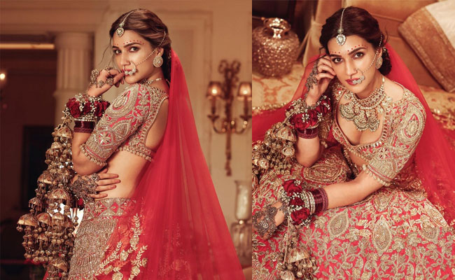 Kriti Sanon Awesome Looks In a Royal Outfit