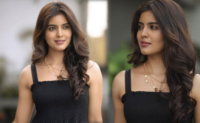Amritha Aiyer Awesome Looks in Black Dress